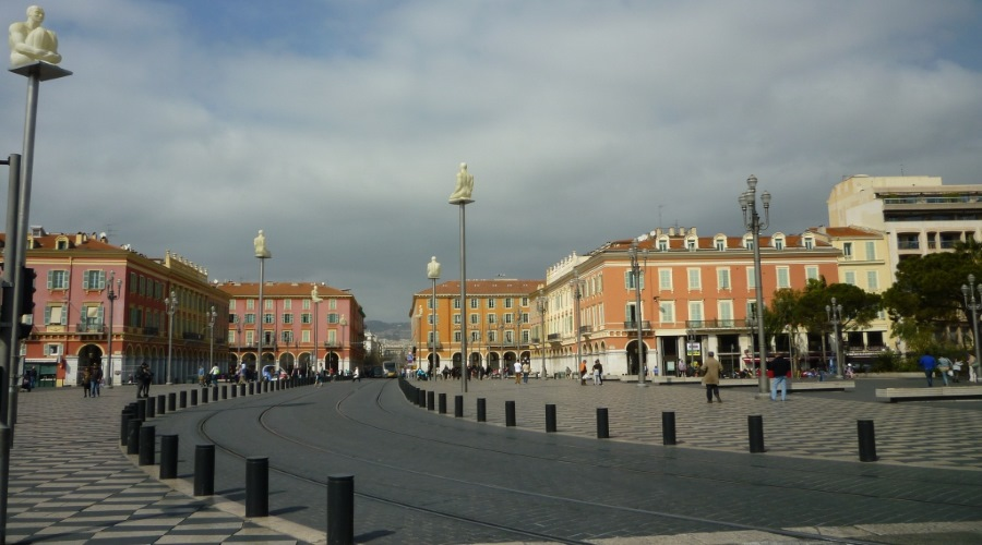 nizza 10 place massena